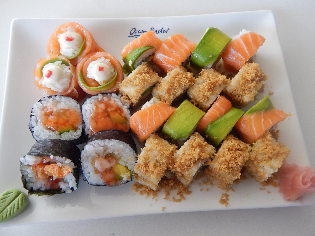 Ocean basket sushi 101 leo tunapika for Best fried fish near me