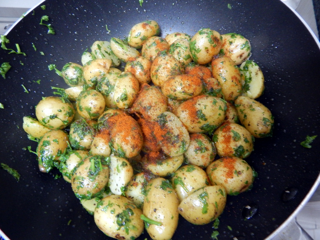 herb and spice new potatoes11