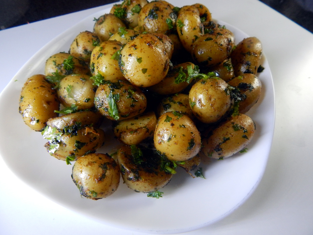 herb and spice new potatoes17