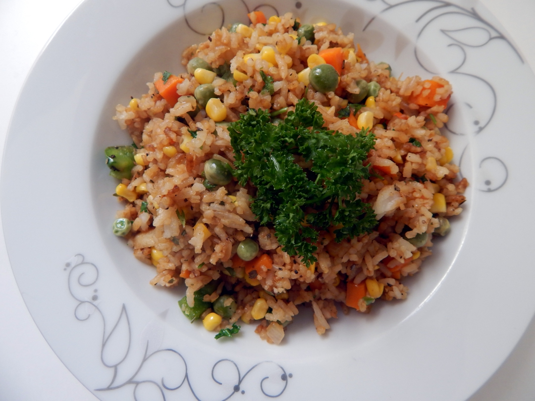 sweetcorn and pea fried rice 16