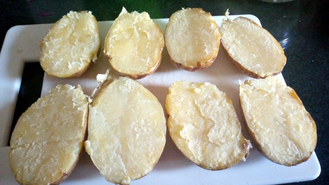 cheesy-potato-skins-leotunapika
