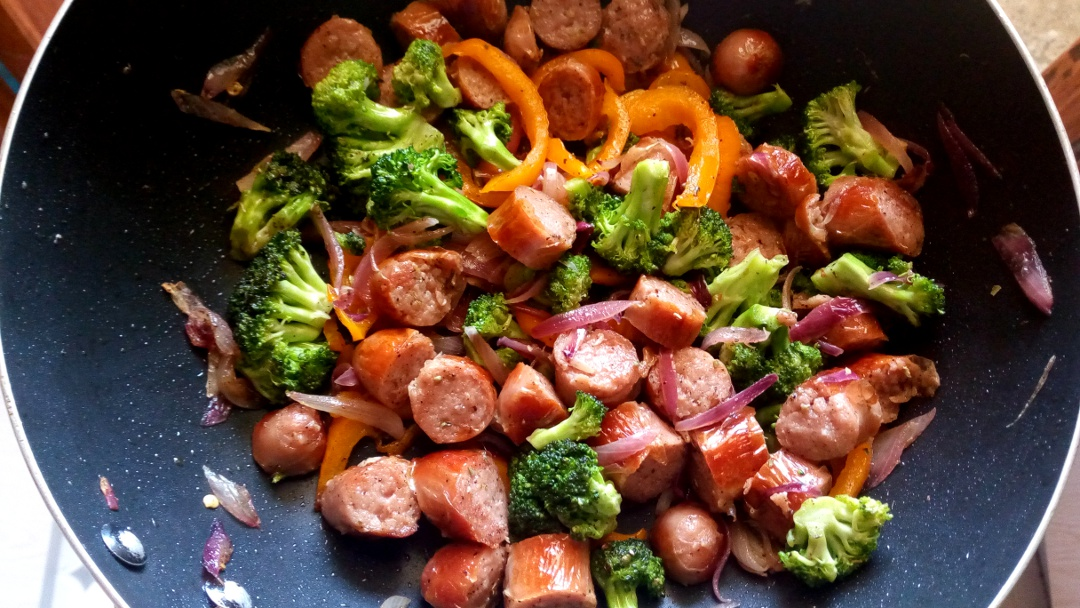 sausage-broccoli-stir-fry-leotunapika