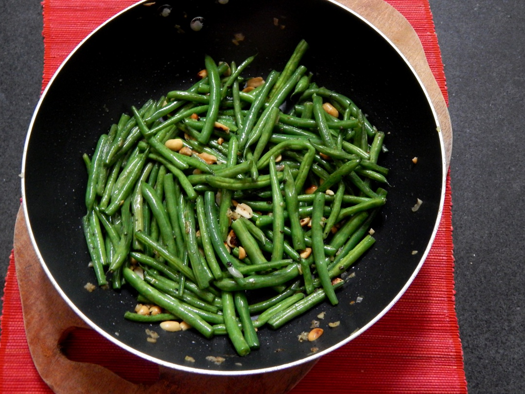 garlic-french-beans-peanuts-leotunapika-5
