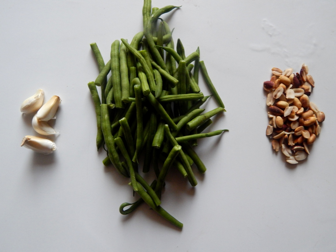 garlic-french-beans-peanuts