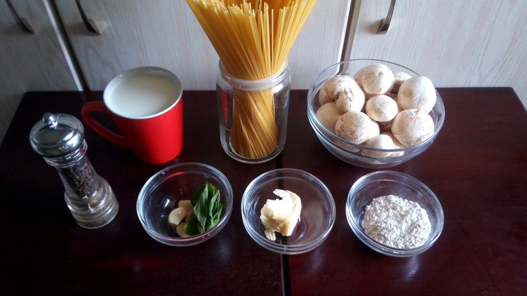 creamy-garlic-mushroom-spaghetti-leotunapika