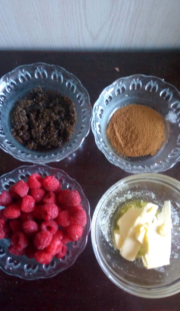 raspberry-cinnamon-rolls-leotunapika-25